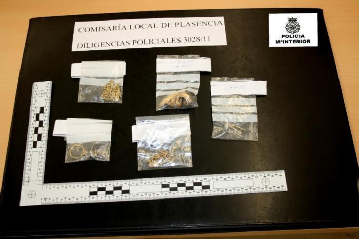 La Policía Nacional detiene a dos personas implicadas en el hurto de joyas en una vivienda de Plasencia