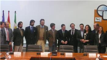 Un grupo de trabajo regional buscará soluciones a la situación del mundo del toro en Extremadura