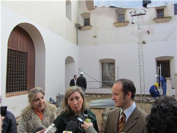 La consejería de Educación inicia la reparación de la cubierta desplomada de la biblioteca de Almendralejo