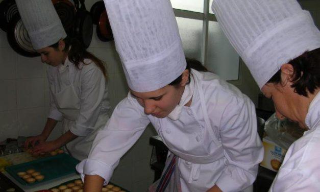 El centro homologado de Pinofranqueado acoge un curso gratuito de cocinero para desempleados