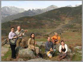 El grupo Manantial Folk presenta un álbum con los mejores villancicos de la zona de la Sierra de Gredos