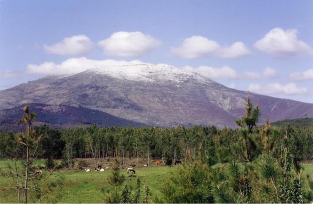 Los senderistas de Sierra de Gata colocarán el belén navideño este domingo en el Pico de Jálama