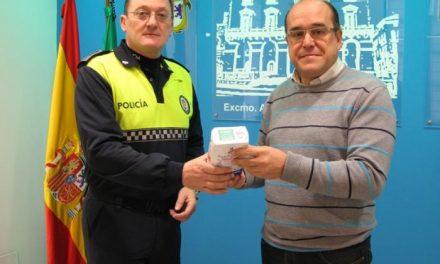La Policía Local de Cáceres inicia una campaña de recogida de alimentos para los más necesitados