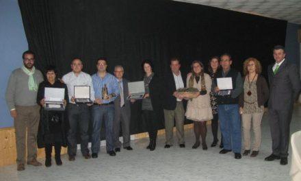 Los empresarios de Moraleja homenajean en su gala anual a tres históricos del comercio a título póstumo