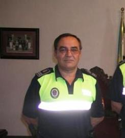 """El jefe de la Policía Local de Coria, Jesús Domínguez, recibe una medalla por """"su destacada trayectoria"""""""