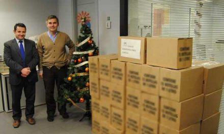 El Ayuntamiento de Valencia de Alcántara y La Caixa donan lotes de alimentos a los más necesitados