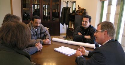 Investigadores de Huelva y Argelia se interesan por los proyectos del Instituto del Corcho de Extremadura