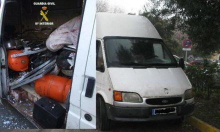 La Guardia Civil detiene a seis personas por delitos de robos en casas de campo de la zona de Navalmoral