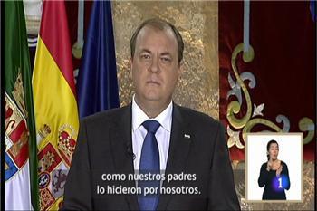 """Monago advierte en euskera y catalán que """"Extremadura no es más que nadie"""", pero tampoco """"menos que nadie"""""""