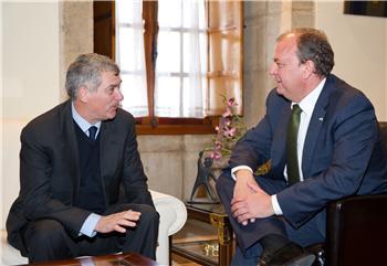 Monago mantiene un encuentro con el presidente de la Real Federación Española de Fútbol
