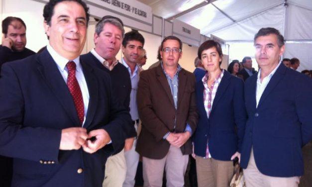 Nacarino pide a los empresarios que inviertan en Sierra de San Pedro para dinamizar la comarca