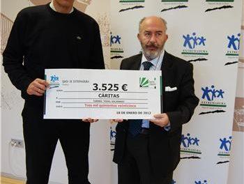 La Dirección General de Deportes entrega a Cáritas 3.525 euros obtenidos del I Torneo de Pádel Solidario