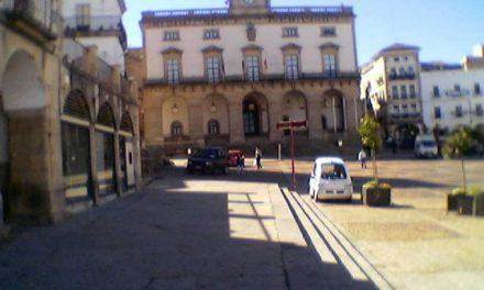 El Ayuntamiento de Cáceres inspeccionará todas las obras de zanjas para evitar los daños al pavimento