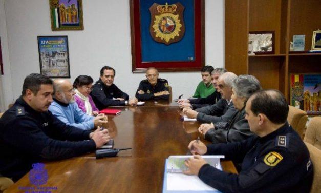 Las asociaciones de vecinos de Badajoz trasladan sus demandas en materia de seguridad a la Policía