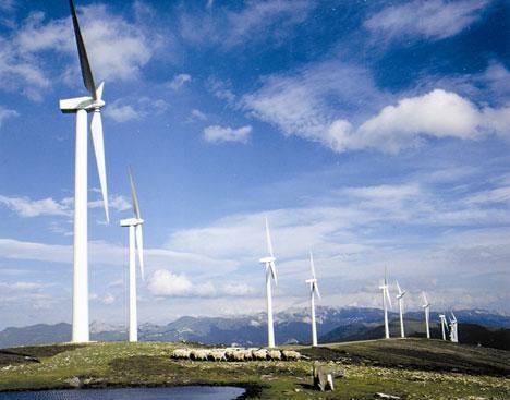 Extremadura pedirá al Ministerio de Industria un marco regulatorio estable para las energías renovables
