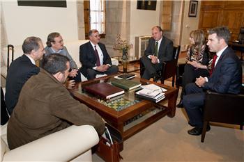Monago recibe a los responsables de la multinacional que investiga la mina de estaño