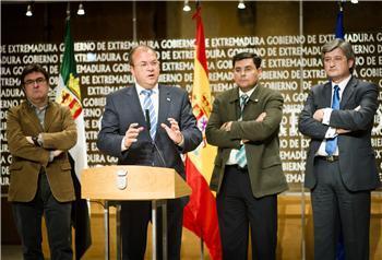 El Gobierno de Extremadura activará este mes las primeras medidas del Plan de Empleo regional