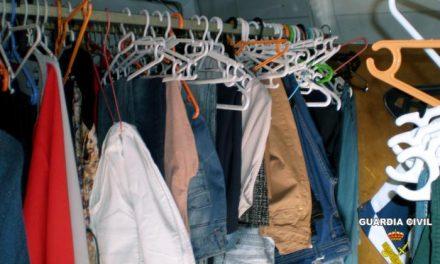 La Guardia Civil de Santa Amalia ha detenido a una mujer de 62 años por vender prendas de vestir robadas