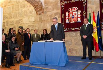 Francisco Javier Perianes toma posesión de su cargo como nuevo consejero de Salud y Política Social