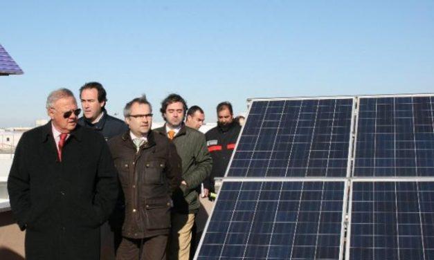 Elecnor instala dos cubiertas fotovoltaicas en el Parque de Bomberos del polígono El Nevero de Badajoz