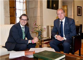 Monago y el presidente de la Fempex abordan las competencias y la financiación municipal