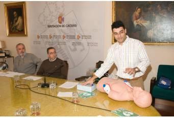 La Diputación dispondrá de cinco desfibriladores en los centros de trabajo con más afluencia de público