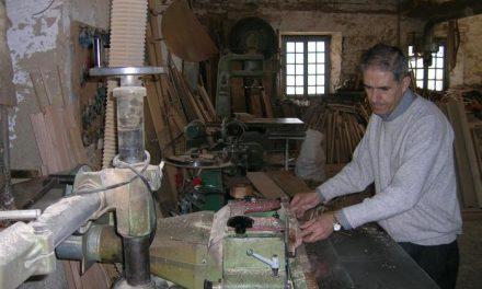El Ayuntamiento de Hervás promocionará el sector de la madera con una exposición en la oficina de turismo