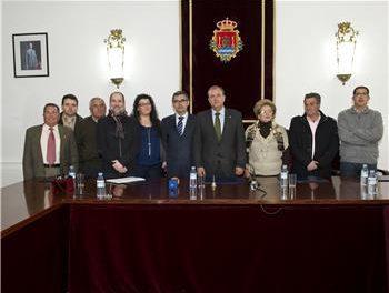 """Monago insiste en Valencia de Alcántara en la defensa del Lusitania """"porque no todo es cuestión de rentabilidad"""""""