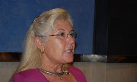 Ángela Miguel critica el gasto excesivo del Ayuntamiento de Navalmoral en las fiestas de Navidad