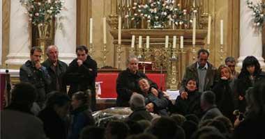 Oliva despidió ayer en funerales separados a los dos hermanos, Dolores y José Manuel, con dolor y rabia