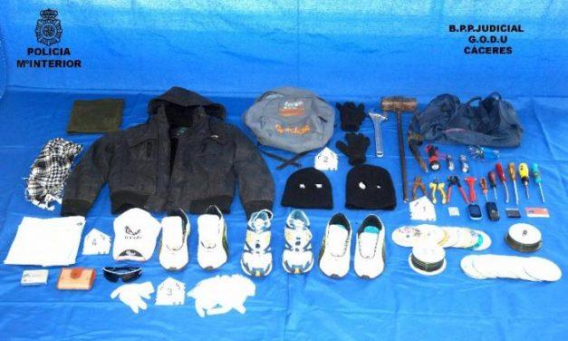 Desmantelan una banda de delincuentes dedicada al robo y uso de vehículos y robo con fuerza en Cáceres y Plasencia