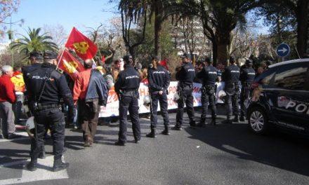 """IU pedirá explicaciones por el fuerte despliegue policial que """"bloqueó"""" al sector crítico durante la manifestación"""
