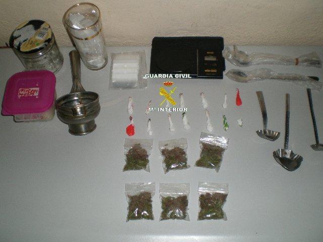 Agentes de la Guardia Civil detectan un punto de venta de droga en Jarandilla de la Vera