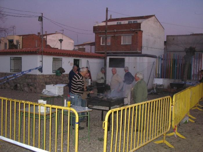 Moraleja cierra el Carnaval 2012 con la degustación de 72 kilos de sardinas el Miércoles de Ceniza