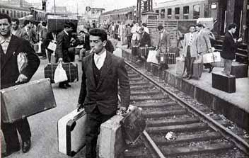 El IES Jálama de Moraleja acoge una exposición sobre el fenómeno de la emigración y las tendencias actuales
