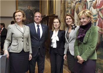El presidente del Gobierno de Extremadura se reúne con la ministra de Fomento para impulsar el Eje 16
