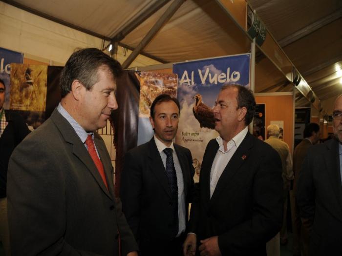 La Diputación de Cáceres presenta en FIO una Guía  Didáctica de siete ecosistemas de la provincia