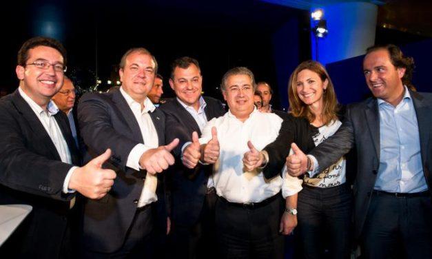 Monago pide en Sevilla el voto del cambio en Andalucía para el Partido Popular y para Javier Arenas