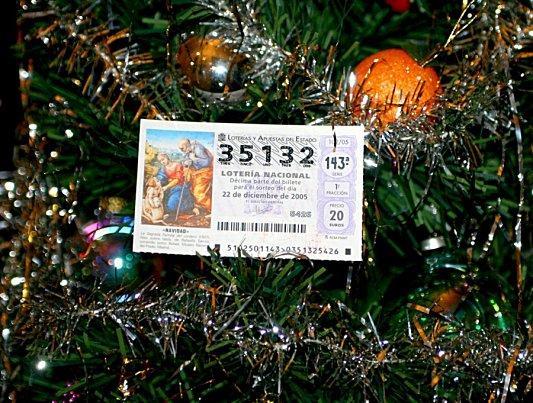 Cada extremeño juega 51,69 euros en el sorteo extraordinario de la lotería de Navidad del día 22