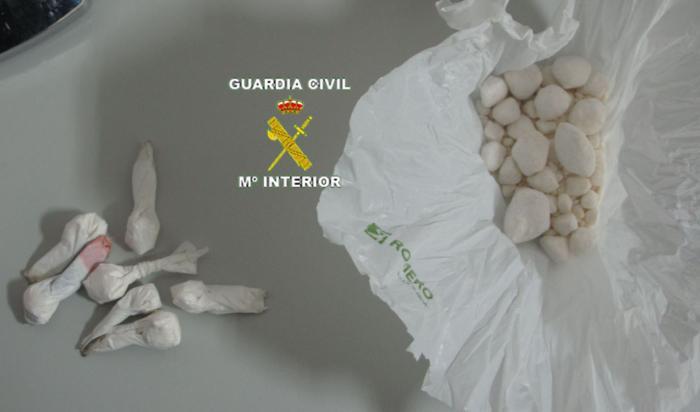 Detienen a un vecino de Moraleja con 144 dosis de cocaína y relacionado con un robo en el salón parroquial