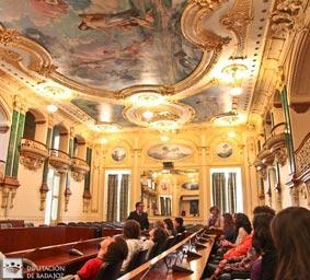 Estudiantes de la ciudad lusa de Portalegre visitan la Diputación Provincial de Badajoz