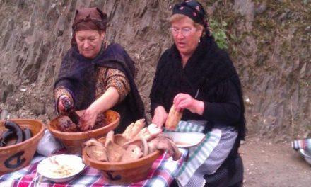 Caminomorisco reparte 1.400 kilos de carne en la celebración de la matanza tradicional hurdana