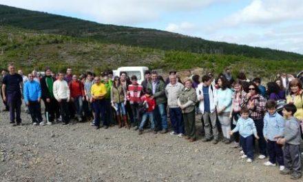 Cien jóvenes extremeños y portugueses colaboran en las tareas de reforestación de Plantabosques