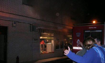 Un brasero eléctrico origina un incendio que daña un inmueble situado en la calle Diagonal de Moraleja