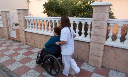 Más de 700 personas dependientes podrán beneficiarse del servicio de ayuda a domicilio