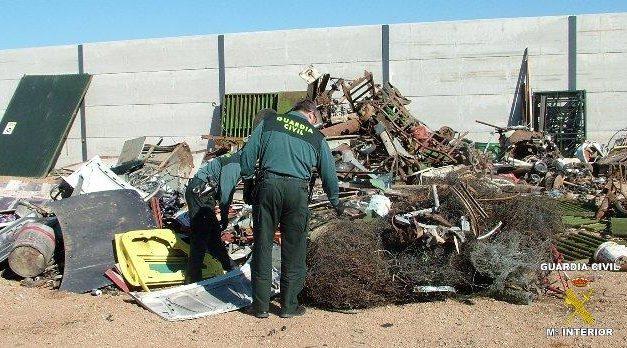 La Guardia Civil detiene a los presuntos autores del robo de compuertas de riego en la comarca de Vegas Altas