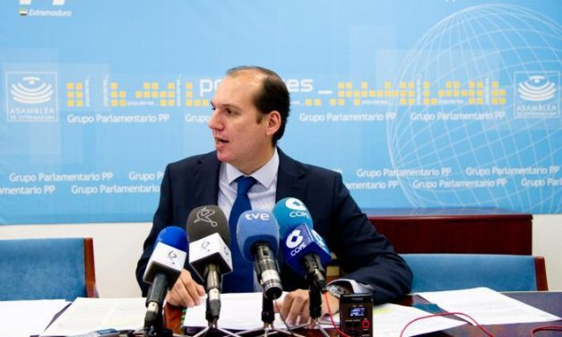 El PP defiende que la decisión del Ministerio sobre la refinería es técnica y niega cualquier lectura política