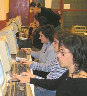 Toda la región tiene acceso a ADSL pero Extremadura es la comunidad autónoma con menos internautas