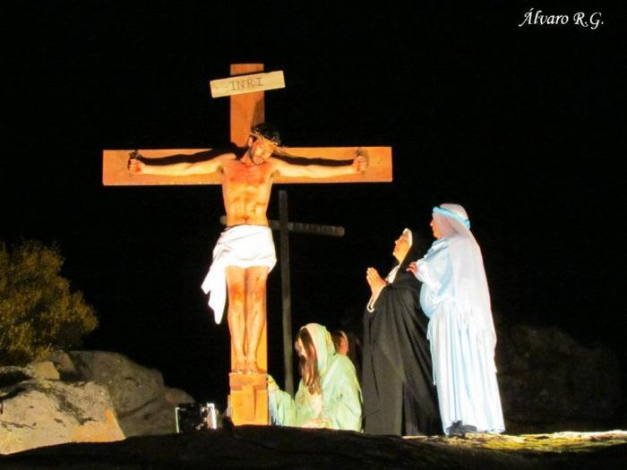 Cientos de personas contemplan la escenificación de la Pasión de Cristo en San Pedro de los Majarretes