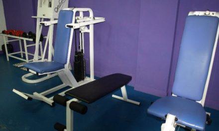La concejalía de Deportes mejora el gimnasio del pabellón y adquiere nuevos elementos de musculación